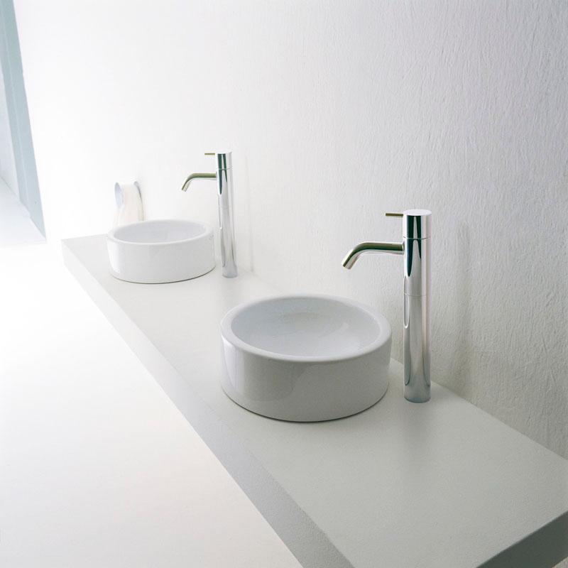 petit lavabo pour toilette maison design. Black Bedroom Furniture Sets. Home Design Ideas